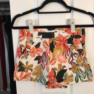 Floral pattern high-waisted shorts